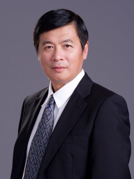Junyi Tan