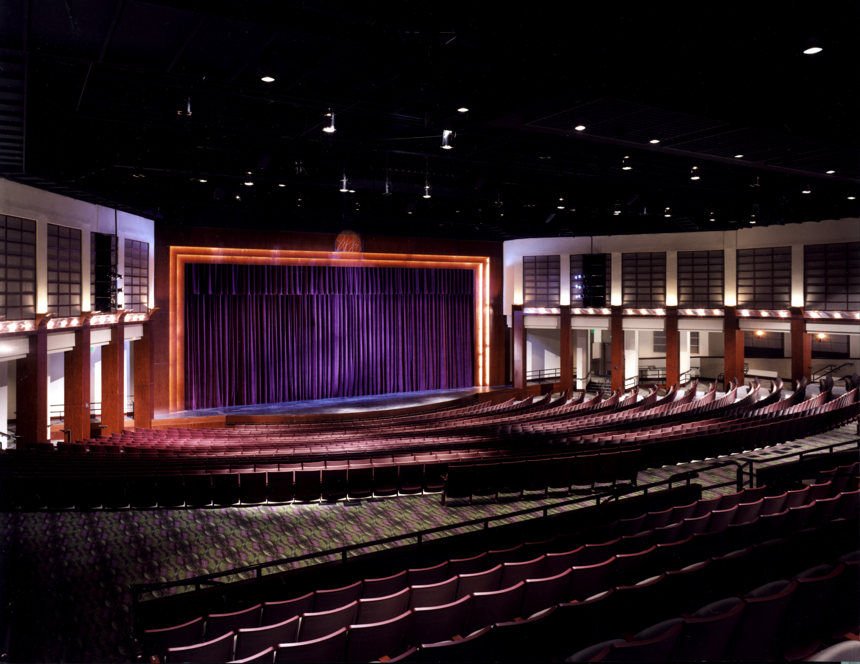an experience at a musical show boat at the orange county performing arts center Segerstrom center for the arts is also proud to serve as the artistic home to three of the region's major performing arts organizations: pacific symphony, the philharmonic society of orange county.