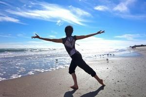 米フロリダ州メルボルンで日差しを存分にあびるダンサー、鄭道詠(ジェン・ダオヨン)[撮影:ダイアナ・タン(藤安娜)]