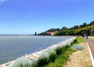 Radeln neben dem Swan River von Perth. (Foto: Tänzer Songtao Feng)