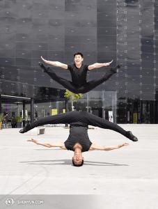 Tancerze Sam Pu i Xinghao Che (na górze i na dole). (fot. tancerz Piotr Huang)