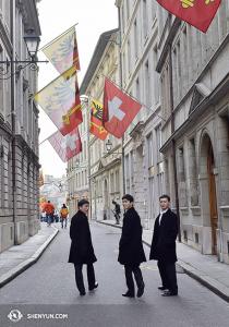 Tymczasem w  Europie, Shen Yun International Company miało dzień wolnego w Genewie. (fot. Ziyuan Fu)