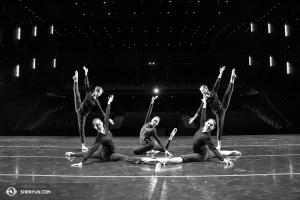 Le 10 avril, la Shen Yun Touring Company terminait ses représentations au McCaw Hall de Seattle. (Photo par la danseuse Helen Li)