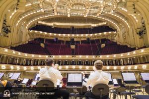 10月29日、神韻交響楽団2016年ツアーはシカゴ・シンフォニーセンターで幕を閉じた。