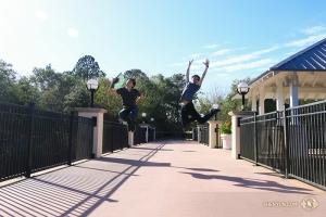 Et, en Floride, les danseurs de la Shen Yun International Company se sont préparés pour leurs représentations au Fort Lauderdale's Broward Center for the Performing Arts.
