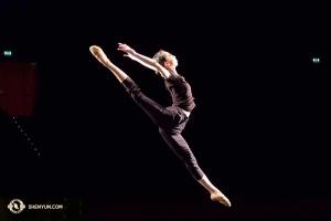 ダンサーのズージェン・ユ。ミラノの劇場にて(撮影:ダンサー、ナンシー・ワン)