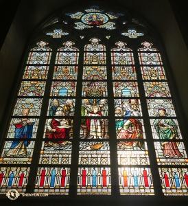 Une mosaïque à l'intérieur de la Cathédrale St. Sauveur à Bruges. (Photo de Jun Liang)