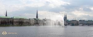 Na koniec, wracamy do europy, gdzie Shen Yun World Company wystąpiło w niemieckim Hamburgu. (fot. tancerz Jeff Chuang)