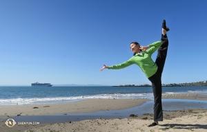 Principal Dancer Elsie Shi on the beach in Santa Barbara. (Photo by dancer Hannah Rao)