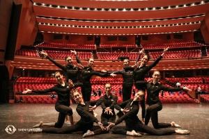 Und zuletzt, zurück in den Vereinigten Staaten, beendete die Shen Yun North America Company ihre Aufführungen im Nordwesten, hier zu sehen im Keller Auditorium von Portland. (Foto: Tänzerin Kaidi Wu)