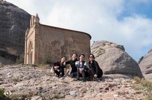 為山石增色。舞蹈演員(左起):Liz Lu、Michelle Wu、Erin Battrick和郭捷。