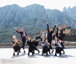 Finora uno dei punti salienti del tour europeo è stato un viaggio verso le montagne di Montserrat in Spagna, fuori di Barcellona