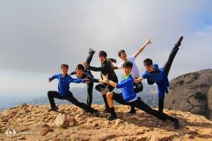 Da sinistra i ballerini Jeff Chuang, Songtao Feng, Rui Suzuki, Jiheng Zhao, Antony Kuo e Zack Chan a Montserrat, in attesa di trascorre le ultime settimane in Europa