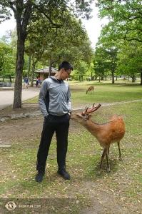 Również tancerz Daren Chou zawarł kilka nowych znajomości w japońskim parku.