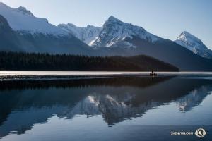 Jego zdjęcia z Alberty w Kanadzie przejawiają duże nasycenie barwami podczas różnych pór dnia. (fot. TK Kuo)