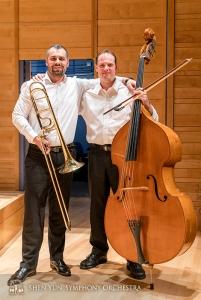信頼し合う二人の首席奏者、アレグザンダー・モラル(左)とユライ・クカン。