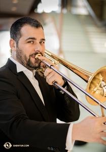 Alexandru Moraru adalah musisi pemenang penghargaan yang berasal dari Romania.