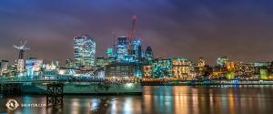 神韻公演の開催を祝っているかのようなロンドン。色とりどりの美しい夜景(撮影:プリンシパル・ダンサー、小林健司)