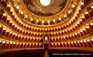 Wir traten im Teatro dell'Opera auf, einem der namhaftesten Opernhäuser in Italien.