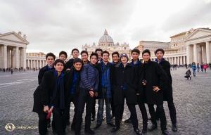 이제 유럽으로 와서, 로마를 탐험 중인 션윈뉴욕예술단.