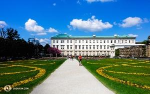 W Salzburgu odwiedzamy pałac Mirabell i ogrody inspirowane stylem włoskim. Co zaskakujące, budynek został ukończony w ciągu zaledwie sześciu miesięcy! (Felix Sun)