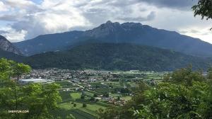 В городе Тренто в итальянских Альпах живёт 117 000 человек. (Фото оператора Регины Дун)