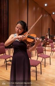 Soliste Fiona Zheng krijgt een gevoel voor het Changhua podium.