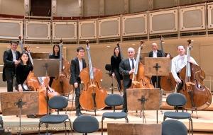 低音大提琴組成的龐大陣容,其中包括來自八個不同國家的精英。
