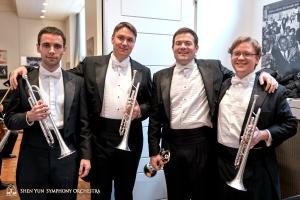 小號手們(從左到右):亞歷山大‧安東諾夫,弗拉基米爾‧澤姆佐夫,埃里克‧羅賓斯(首席),吉米‧蓋格。