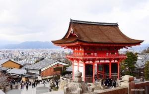 Вид на храм Киёмидзу. (Автор фото: Цзюнь Лян)