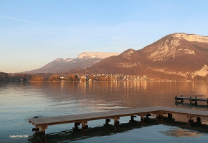 Visiting Lake Annecy provides a moment of calm during a busy tour. (Photo by Nick Zhao)