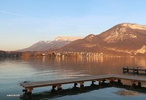 Odwiedzajac jezioro Annecy zażyliśmy chwili ciszy i spokoju podczas tego pracowitego tourneé. (Nick Zhao)