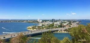 Widok na rzekę Swan z parku Kings Park. Perth, do zobaczenia za rok! (Regina Dong)