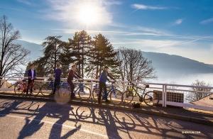 Exploring Geneva on bikes. (Photo by Nick Zhao)