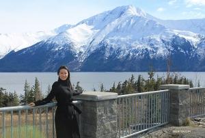 <p>La présentatrice Nancy Zhang respire l'air pur et son environnement majestueux. (Photo de la danseuse Chunko Chang)</p>