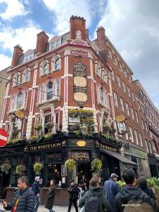<p>La secret d'une famille heureuse : ramenez chez vous de jolis souvenirs de Londres comme cadeaux !</p>