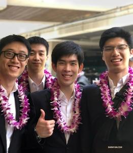 Tancerze (od lewej) Jun Liang, Jeff Chuang, Rui Suzuki i Antony Kuo są zadowoleni, że Hawaje są na trasie ich tournée