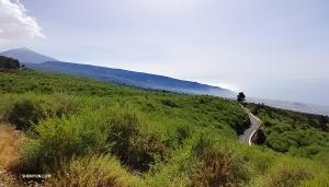 テネリフェ島で最大の標高、テイデ山など、家族と一緒に島を隅々探索した。