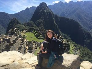 ペルーでは、打楽器奏者のティファニー・ユがマチュ・ピチュを登山。