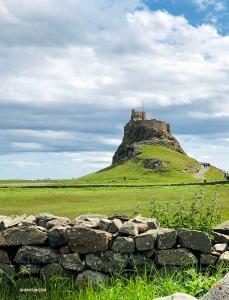 ホリー・アイランドで最高峰の地点は、16世紀に建てられたリンディスファーン城。(撮影:ビクトリア・ヂョウ)