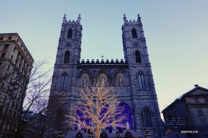 Bonjour Montreal, Canada. Shen Yun World Company performers visit the Notre-Dame Basilica on New Year's Day before their first performance at the Place des Arts - Salle Wilfrid-Pelletier.  (Photo by Jack Han)
