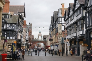On a travel day in England, from Liverpool to Woking, Shen Yun International Company stops in Chester, a little town once voted by Americans Europe's fifth prettiest city.